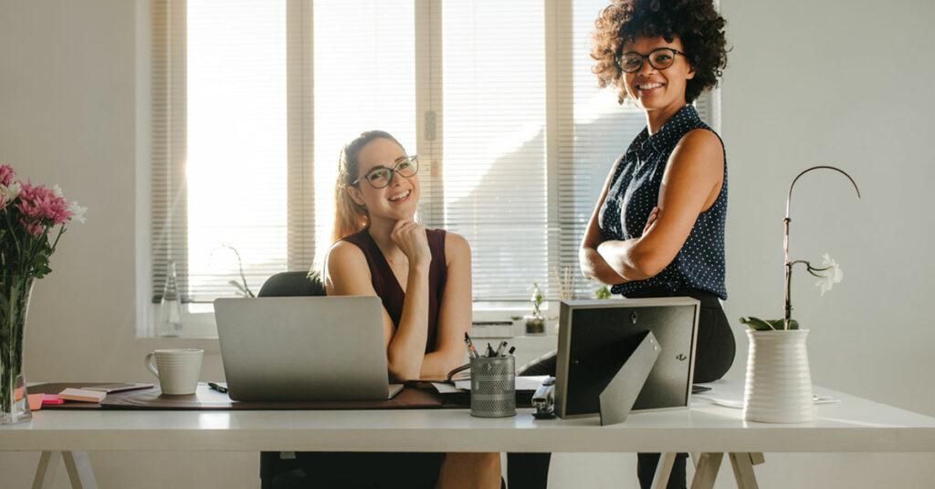 A maneira inteligente das organizações cultivarem liderança emergente