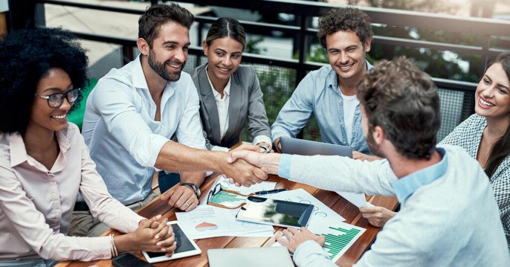 11 elementos que as empresas devem considerar para a integração de novos funcionários