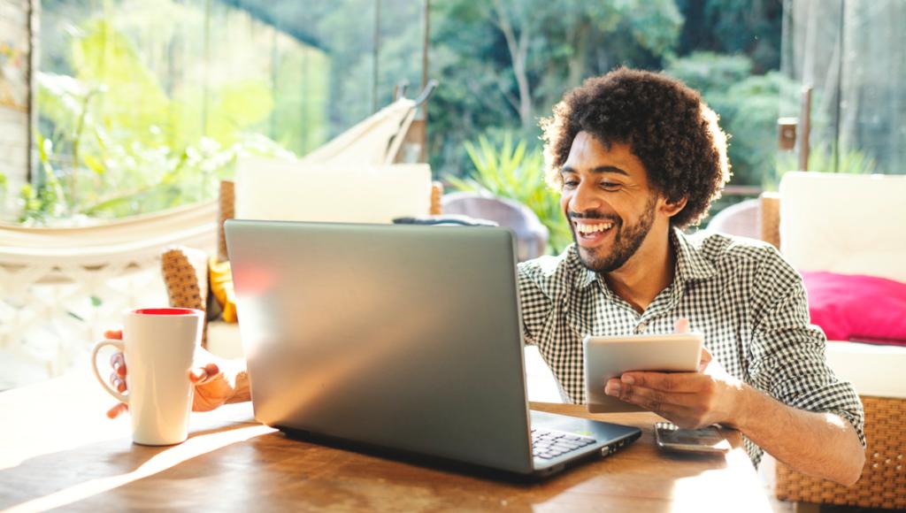 Como avançar na carreira em um ambiente de trabalho remoto