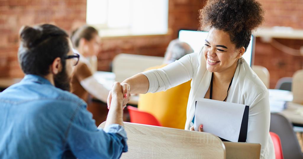 13 estratégias para treinar novos funcionários com eficiência