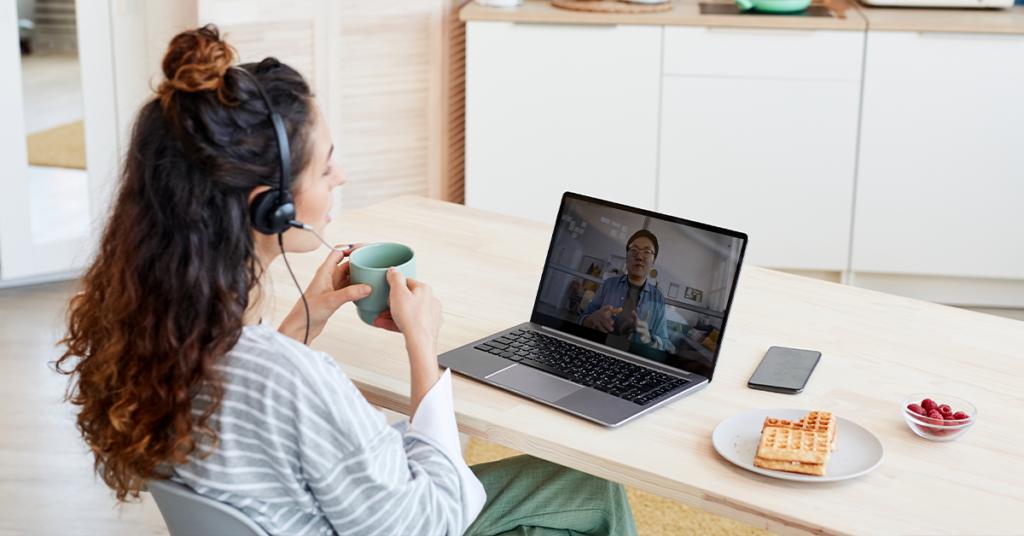 16 maneiras pelas quais os empregadores podem criar uma experiência de integração virtual eficaz