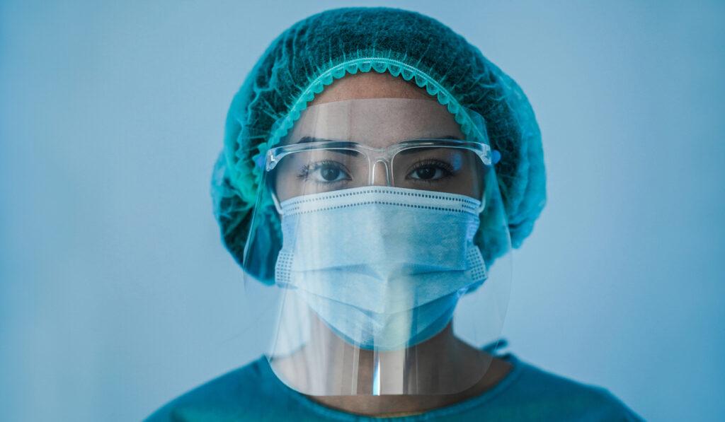 Como lidar com a saúde dos profissionais essenciais na pandemia e proporcionar mais qualidade de vida?