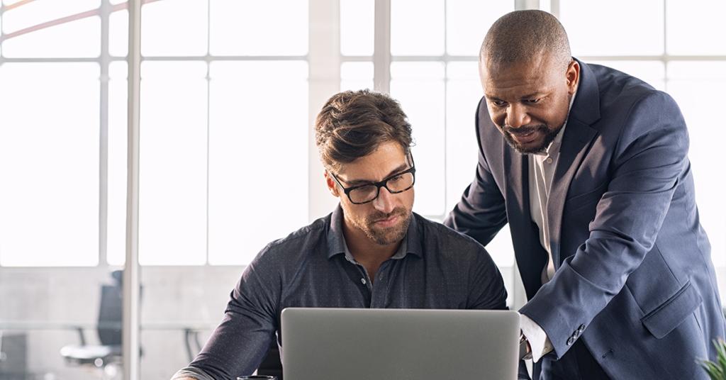 13 maneiras práticas de ajudar os funcionários a se adaptarem às novas tecnologias