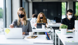 Como a pandemia afetou a experiência do colaborador