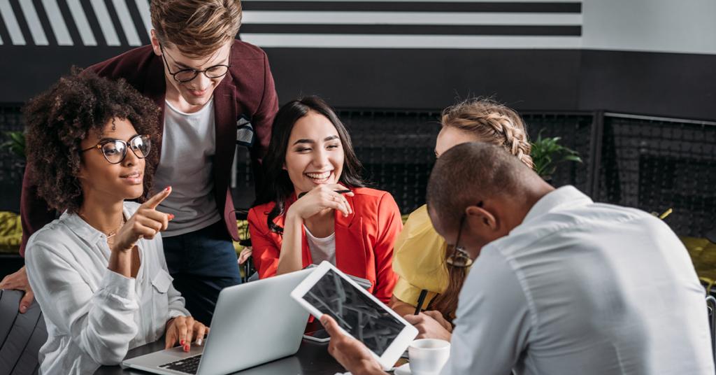 15 principais benefícios da Diversidade, Equidade e Inclusão para se comunicar com os membros da equipe
