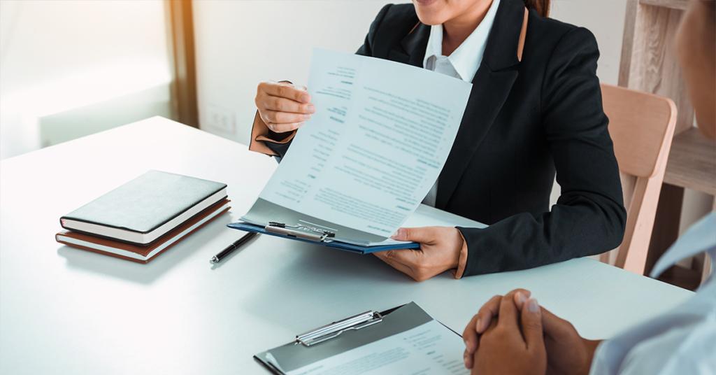Como reduzir riscos com contratação cega