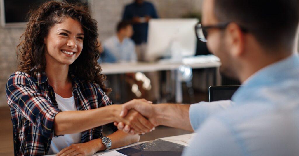 4 dicas para contratar temporários em operações logísticas
