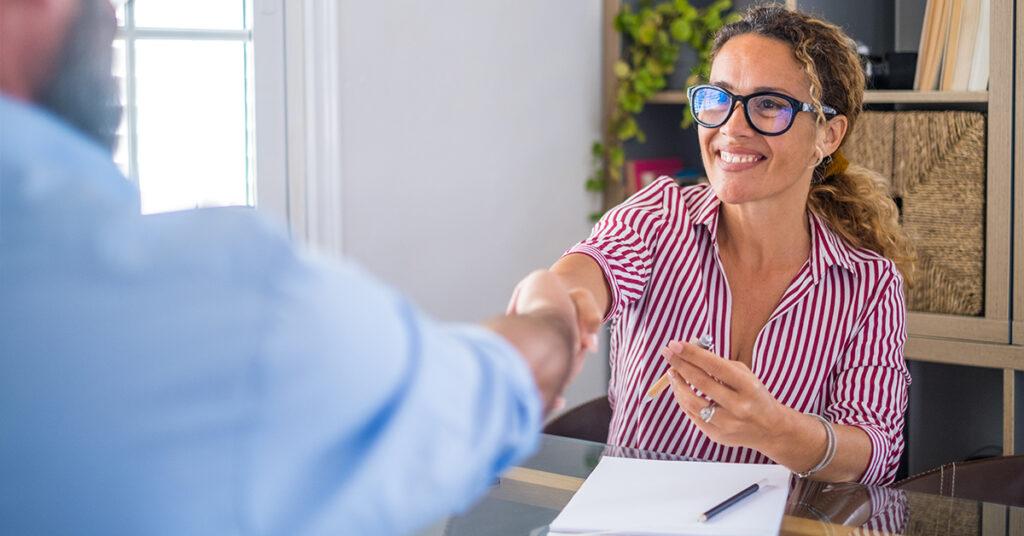 5 cuidados que varejistas devem ter ao contratar funcionários temporários