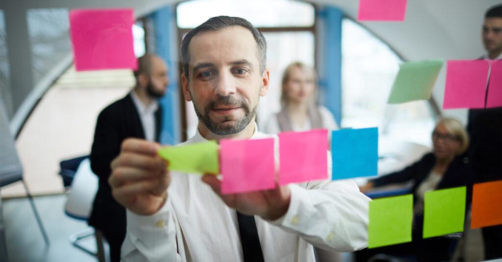15 dicas para construir confiança como um novo gerente introvertido